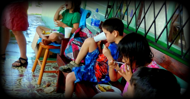 ABINA KIDS EATING